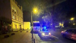 tir na koscielnej fot. smmp2 300x169 - Poznań: Tir zaparkowany na buspasie. Z powodu... drzemki
