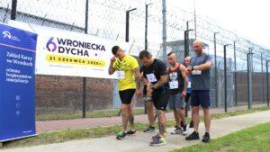 wroniecka dycha w zk wronki fot. j. zolkiewska 300x169 - Wronki: Światowy Dzień Sportu za więziennym murem