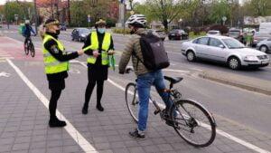 europejski dzien bezpieczenstwa ruchu drogowego fot. smmp 300x169 - Poznań: Strażnicy przypominali o bezpieczeństwie na drogach