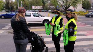 europejski dzien bezpieczenstwa ruchu drogowego fot. smmp2 300x169 - Poznań: Strażnicy przypominali o bezpieczeństwie na drogach