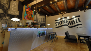 hostel stonewall fot. w. rak grupa stonewall3 300x168 - Poznań: Rusza pierwszy w Polsce hostel prowadzony przez organizację LGBT+