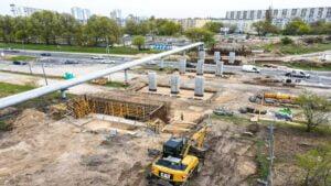 kurlandzka wiadukt fot. pim4 300x169 - Poznań: Stoją już filary nowego wiaduktu w ciągu Kurlandzkiej