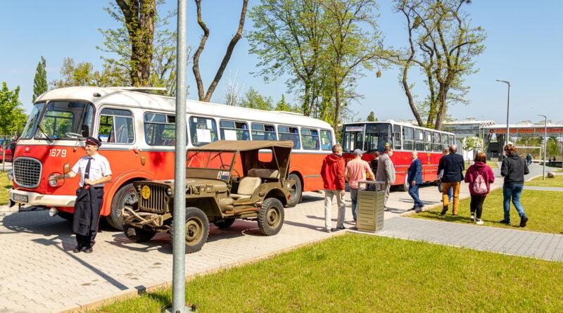 Nowa autobusowa linia turystyczna nr 102 fot. Sławek Wąchała