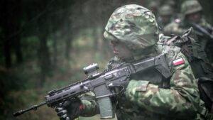 nabor fot. 12wbot 300x169 - Piła: Rusza rekrutacja do batalionu WOT