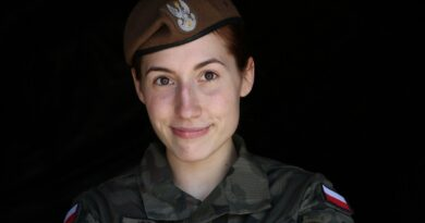 Sara Jóźwiak w mundurze fot. 12WBOT