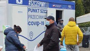 szczepienie nad malta fot. wuw2 300x169 - Poznań: Trzeci dzień szczepień nad Maltą. Jest kolejka, ale krótsza