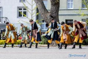 wiwaty pobiedziska fot. magda zajac 18 300x200 - Pobiedziska: Patriotyczny Koncert Majowy z polonezem