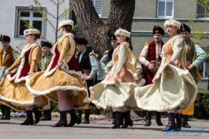 wiwaty pobiedziska fot. magda zajac 20 300x200 - Pobiedziska: Patriotyczny Koncert Majowy z polonezem