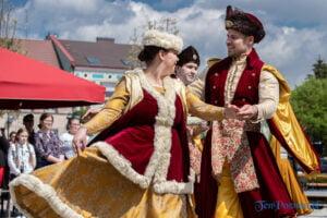 wiwaty pobiedziska fot. magda zajac 26 300x200 - Pobiedziska: Patriotyczny Koncert Majowy z polonezem