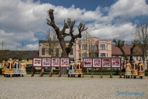 wiwaty pobiedziska fot. magda zajac 27 300x200 - Pobiedziska: Patriotyczny Koncert Majowy z polonezem