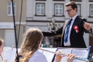 wiwaty pobiedziska fot. magda zajac 6 300x200 - Pobiedziska: Patriotyczny Koncert Majowy z polonezem