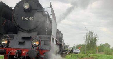 Zderzenie samochodu z pociągiem fot. OSP KSRG Włoszakowice