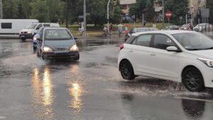 deszcz na Dąbrowskiego fot. K. Adamska