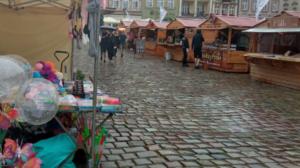 jarmark swietojanski 8 300x168 - Poznań: Deszczowy, ale ciekawy Jarmark Świętojański