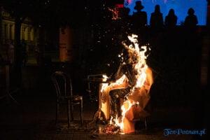 odsloniecie pomnika smolenia ul. rybaki strzalowa fot. slawek wachala 1355 300x200 - Poznań: Odsłonięcie pomnika Smolenia w kabaretowym stylu