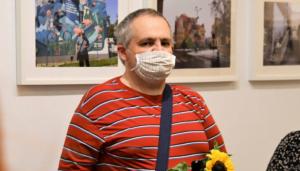 piotr zoldak wernisaz fot. k. adamska3 300x171 - Piotr Żołdak: fotografia, pasja i obecność w kulturze Poznania