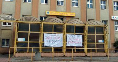 Protest ratowników medycznych, szpital HCP fot. L. Łada