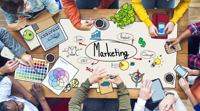 reklama online fot. art. spon.