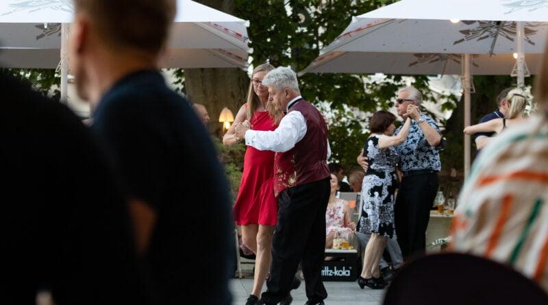 tango milonga open air fot. slawek wachala 6549 800x445 - Poznań: Milonga na placu Wolności
