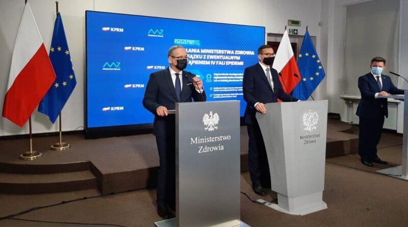 Adam Niedzielski, Mateusz Morawiecki, Michał Dworczyk fot. KPRM