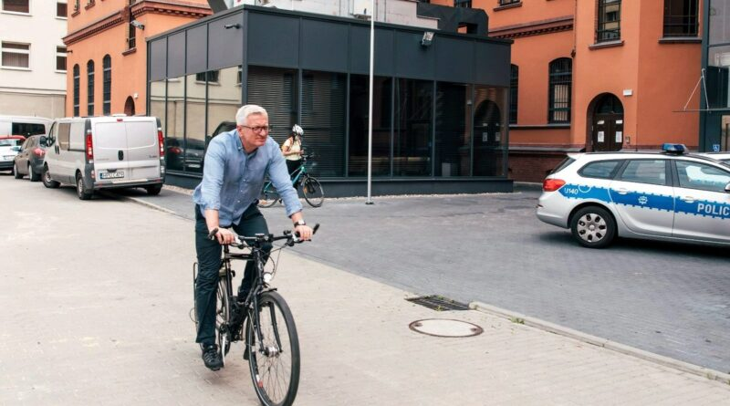 Jacek Jaśkowiak, znakowanie rowerów fot. UMP