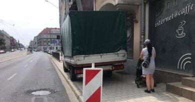 parkujący na Głogowskiej fot. policja