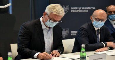 Podpisanie deklaracji o woli powołania Wielkopolskiej Doliny Wodorowej fot. UMP