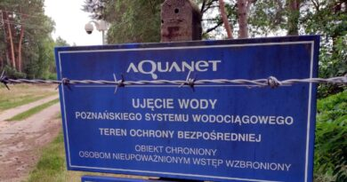 tablice ujęcia wody fot. Aquanet