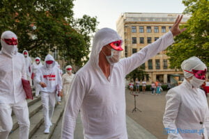 Volny Chor z Białorusi w Poznaniu. Plac Wolności fot. Sławek Wąchała