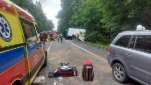 wypadek chodziez fot. kpp chodziez 300x169 - Chodzież: Wypadek na DK11. Droga jest zablokowana