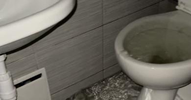 Zalana łazienka, Wilczy Młyn fot. Agata