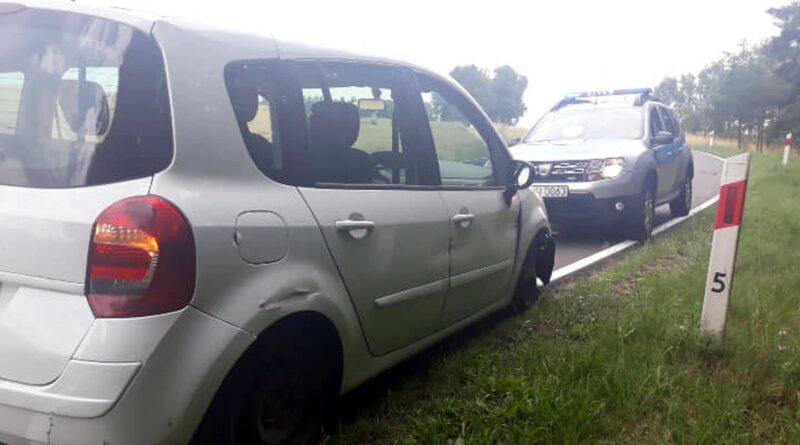 zatrzymany samochód na trzech kołach fot. policja Międzychód