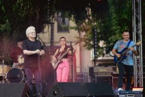 Felicjan Andrzejczak z zespołem Festiwalowe lato Pobiedziska fot. Magda Zając