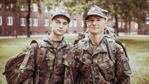 nowi terytorialsi: ojciec z synem fot. 12WBOT