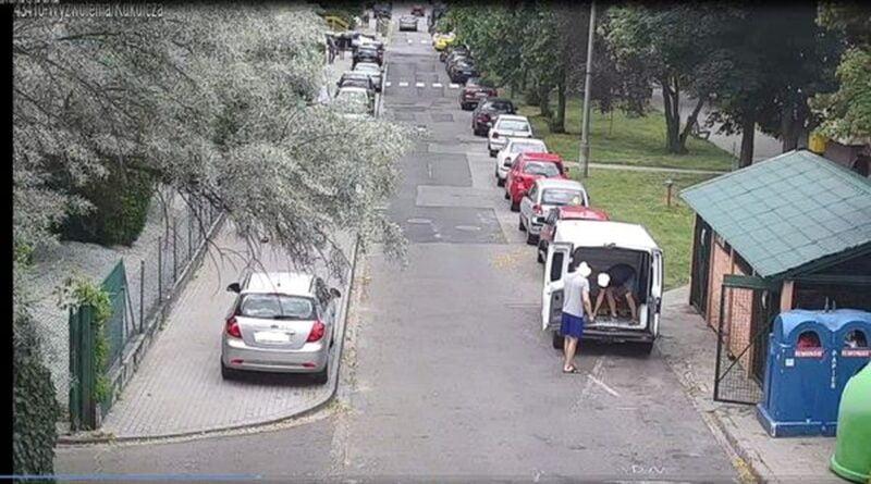 podrzucanie śmieci fot. SMMP