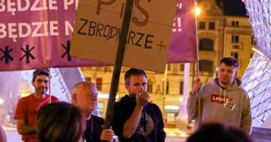 protest przeciwko lex TVN fot. S. Wąchała