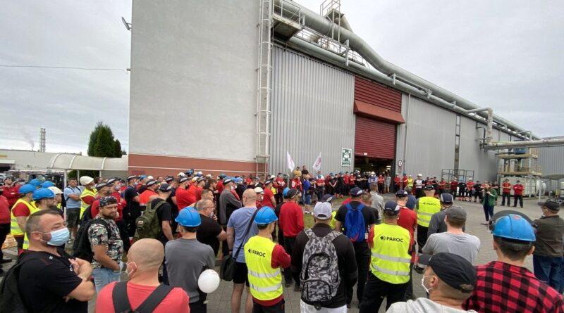 strajk w Paroc Trzemeszno fot. Zakładowy Związek Zawodowy OPZZ Konfederacja Pracy