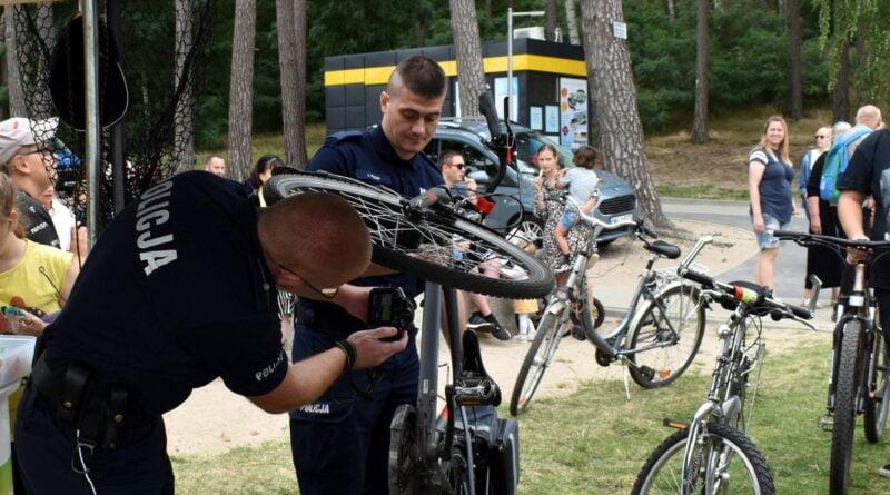 znakowanie rowerów fot. policja Międzychód