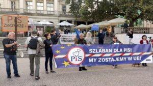 demonstracja w obronie wolnych mediów fot. K. Adamska