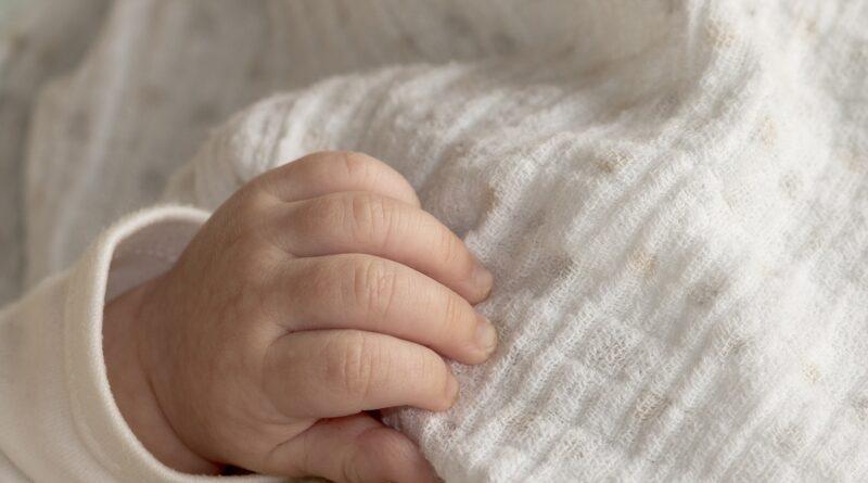 dziecko niemowlę fot. pixabay.com