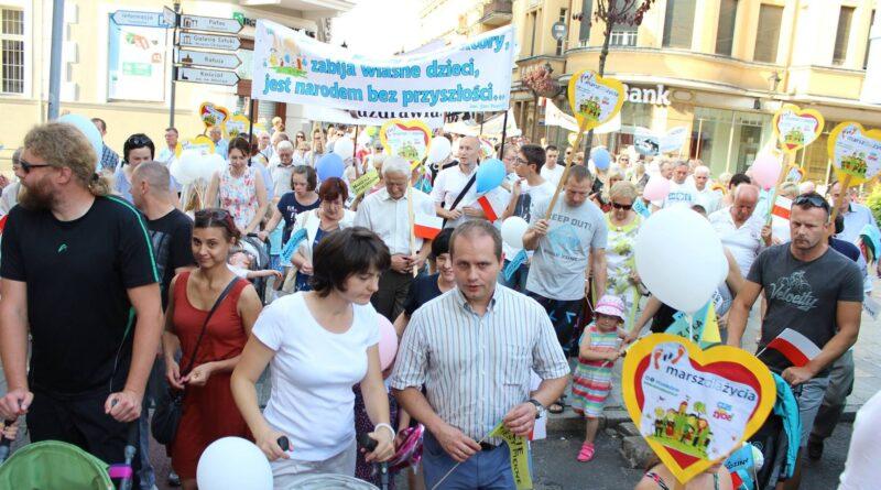 Marsz dla życia i rodziny Leszno fot. mat. pras. FB