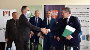 podpisanie umowy na budowę nowej drogi fot. WZDW
