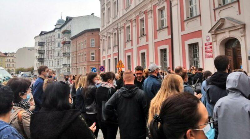 protest urzędników fot. L. Łada