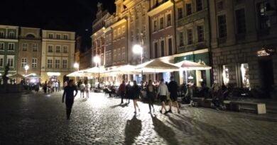 Stary Rynek nocą fot. L. Łada
