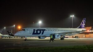 transport obywateli Afganistanu fot. Port Lotniczy Poznań Ławica