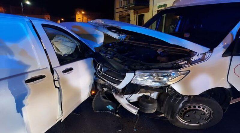 zderzenie dwóch samochodów fot. PSP Trzemeszno