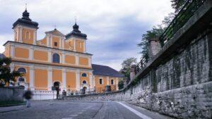 fasada kościoła franciszkanów fot. UMWW