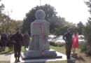 Pomnik Poległych Winiarczyków fot. prt. scr transmisji uroczystości